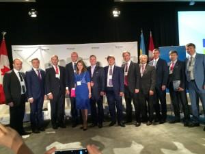 Канадські офіційні особи та учасники офіційної української делегації під час Канадсько - українського бізнес форуму.